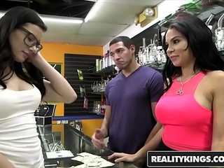 RealityKings - Currency..