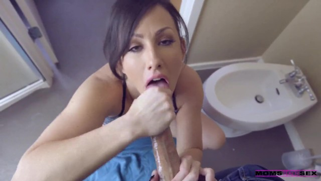 MomsTeachSex - Morning Wood..