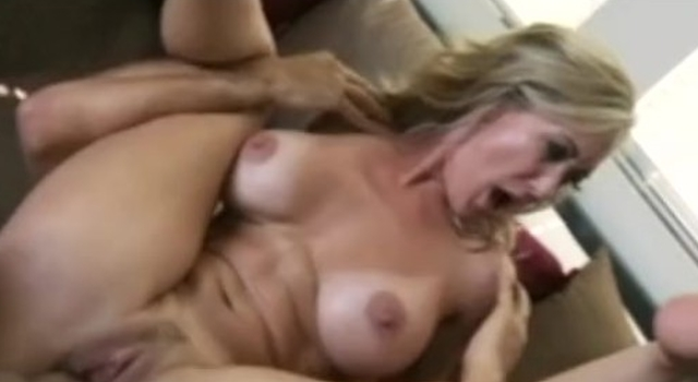 BLONDE MATURE MILF WITH..